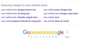 Anda juga bisa langsung menuju ke halaman paling bawah Google untuk mencari long tail keyword.